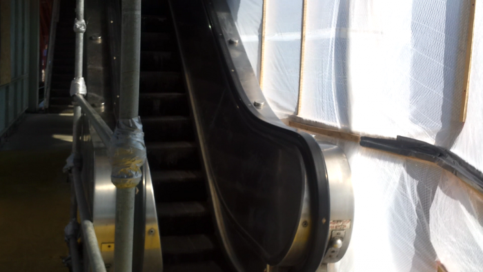 escalator in use 6-21-16.PNG