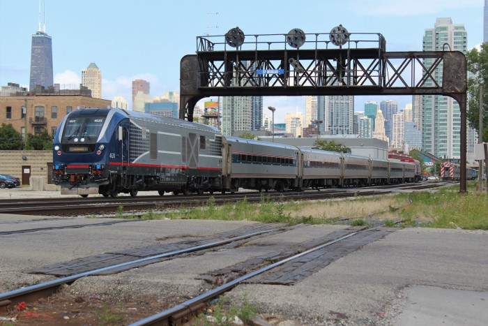 Illinois Dot 4620 Siemens Charger Train 337 Racine Ave.JPG