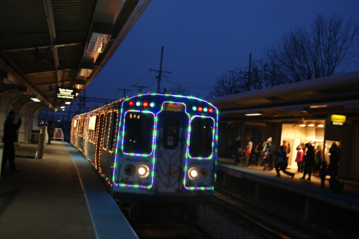 CTA_HOLIDAY_TRAIN_AT_SKOKIE_TERMINAL_(2).JPG